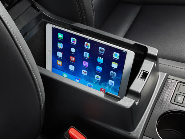 2018 Subaru Legacy Storage for Mobile Devices