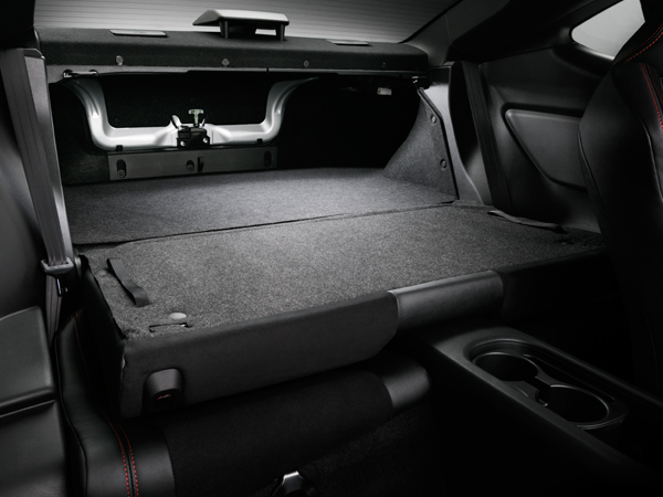 Subaru BRZ 2018 Flat-folding Rear Seats